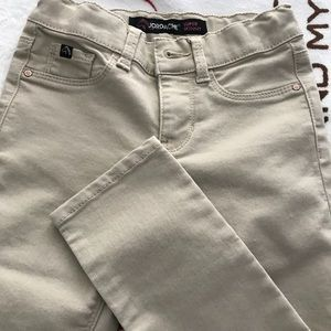 Denim - Girls Jordach khaki sz 7 slim. Super soft!